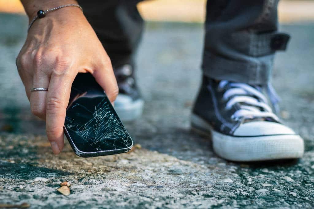 Protéger son smartphone contre les chocs et rayures