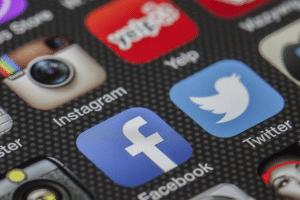 Comment se former à la gestion des réseaux sociaux